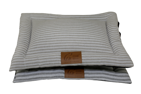 Hot Sale Washable Cotton and Linen Blended Grey Natural Striped Pet Bed Sofa Large Dog Mat Cushion Quilted Cat Mattress Pad Indoor Floor Cushion for Wholesale