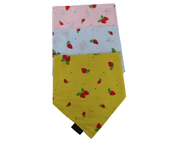 Wholesale Adjustable Strawberry Print Cotton Pet Dog Bandana Kerchief Custom Triangle Blue Dog Bandana Bib With Double Buttons Closure Scarf for Puppy Dog Cat Pet Accessories OEM Double Layer Neckwear